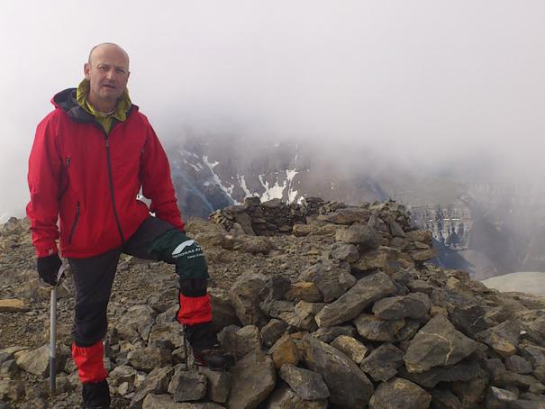 El primero en orden de ascensión: el Casco, 3006 metros