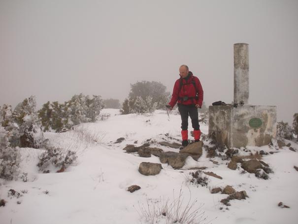 Vértice geodésico de Peña Escabia (1.330 m), 7 de marzo de 2010. Fotografía de Maremoto