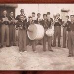 BANDA DE MÚSICA DE TORÁS EN 1954. FOTO DE RAFAEL MONLEÓN