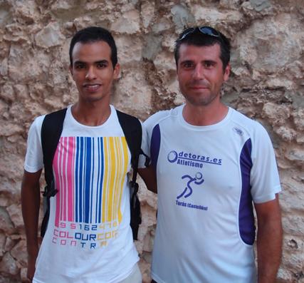 Ángel con el vencedor absoluto de la prueba, Mohamed Mohattane