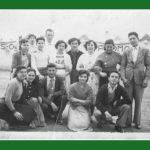 """AÑO 1955 EN VALENCIA. ESTÁN CARMEN, AMPARO Y PILAR """"LAS CARRETERAS"""" DE TERESA, ISABEL Y PURA """"DE LA TÍA"""