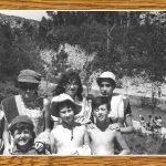 ENCARNA SOLER CON UNAS AMIGAS EN LA BALSA DE LOS MOROS, ENTONCES LUGAR DE BAÑO. VERANO DE 1969