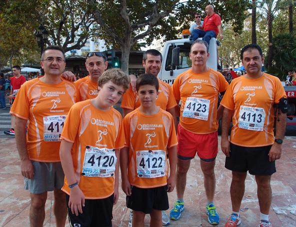 Paco, José Vicente, Ángel, Llopis, Migue y delante Marcos y Pau