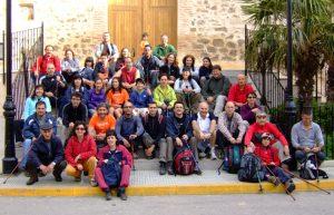 Los primeros en llegar a la plaza de la Iglesia antes de las 9 de la mañana
