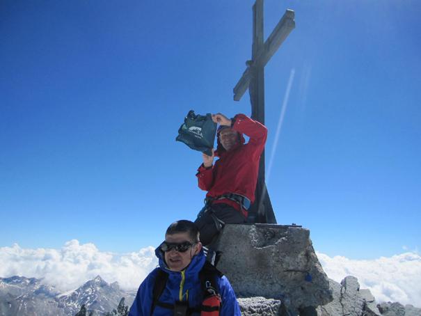 Fernando y José en la cumbre del Allalinhorn