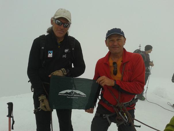 El alpinista Jordi Corominas y José en la cumbre del Weissmies
