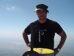 José, cuñado de Enrique Mañes, en el Pico Almanzor (2.592 m)