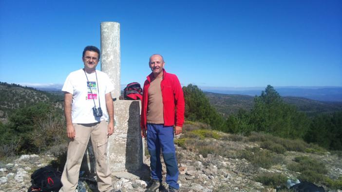 Paco y José en el Cerro del Baile (1.537 m), Sierra del Toro. 30 de septiembre de 2012