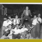 """AÑO 1956 EN LA GLORIETA. ESTÁN JOSÉ FRANCO, ALBERTO """"DE LA TÍA MATILDE"""", JOSÉ """"DE MATEA"""", VICENTE """"EL CHATO"""","""